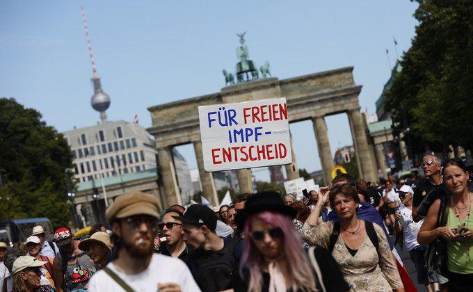 Протест проти коронавірусу в Берліні