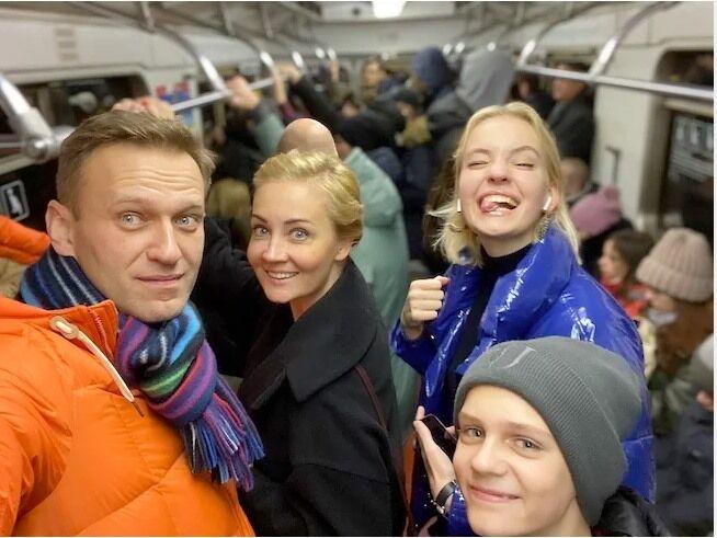 Фото Навального, которое опубликовал на своей странице писатель.