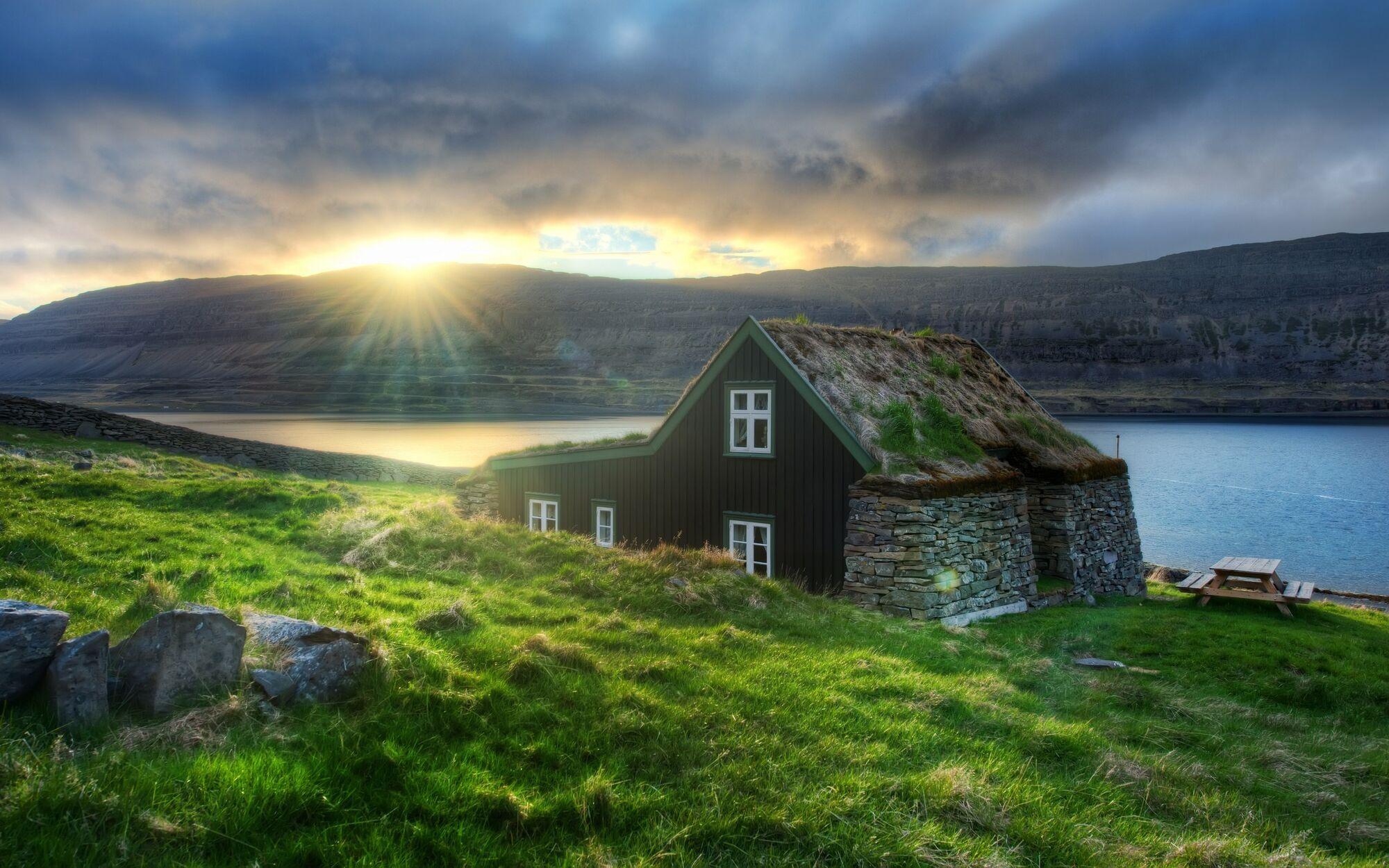 Ісландію назвали найбезпечнішою країною для туристів у разі Третьої світової війни (фото – drugoy.com.ua)