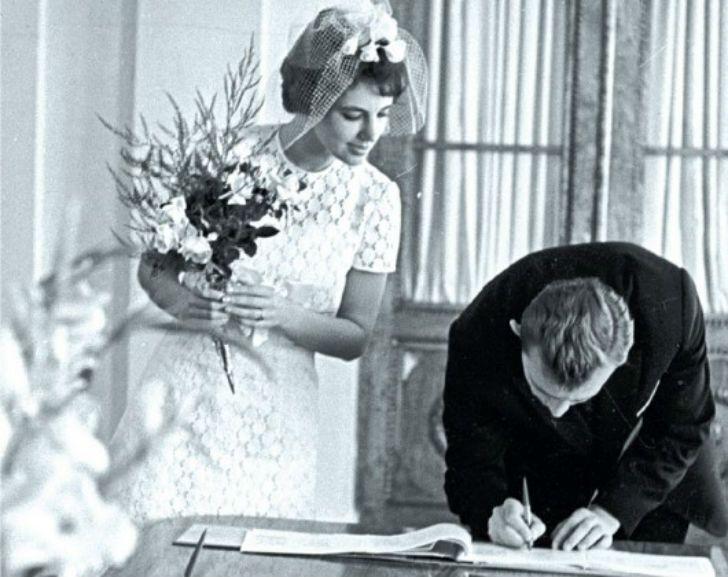 За шлюб з іноземцем жінку в СРСР могли звинуватити в шпигунстві