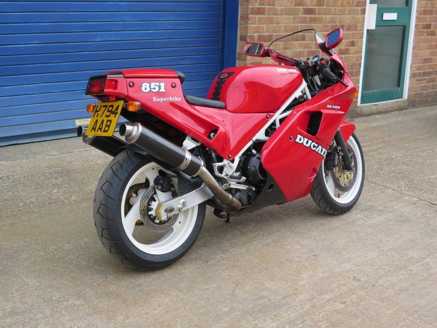 Ducati 851 зберігся в гарному стані.