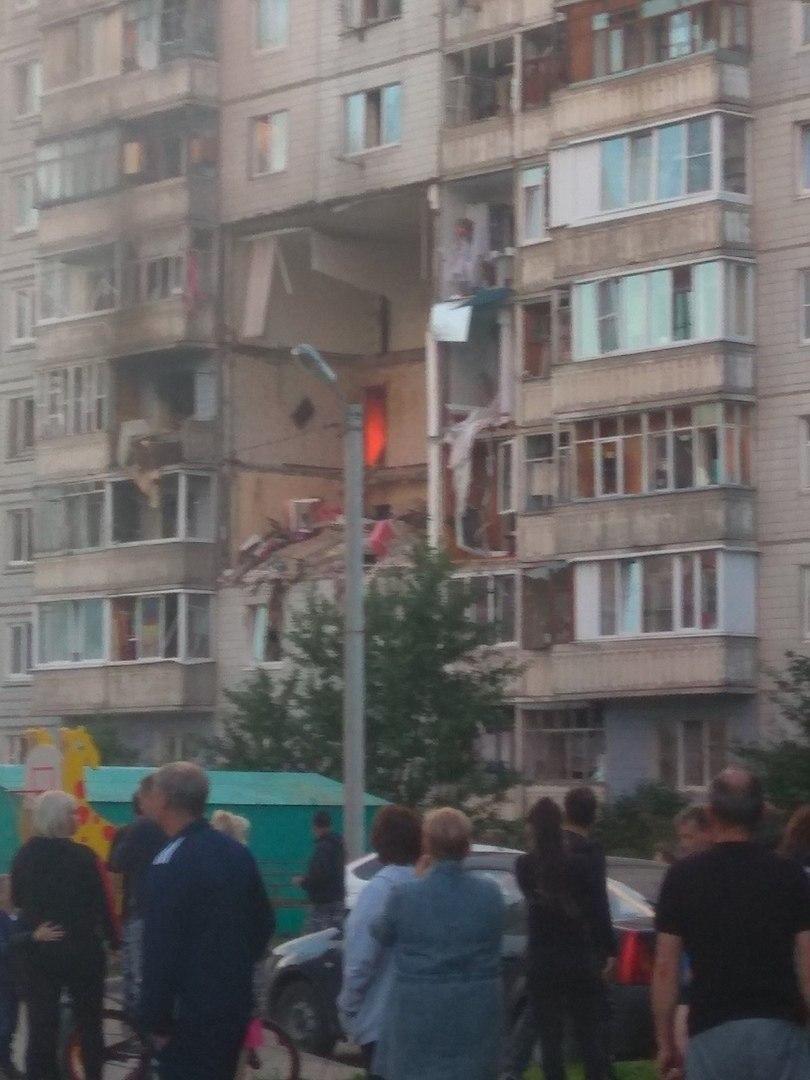 Взрыв произошёл в 10-этажном панельном доме