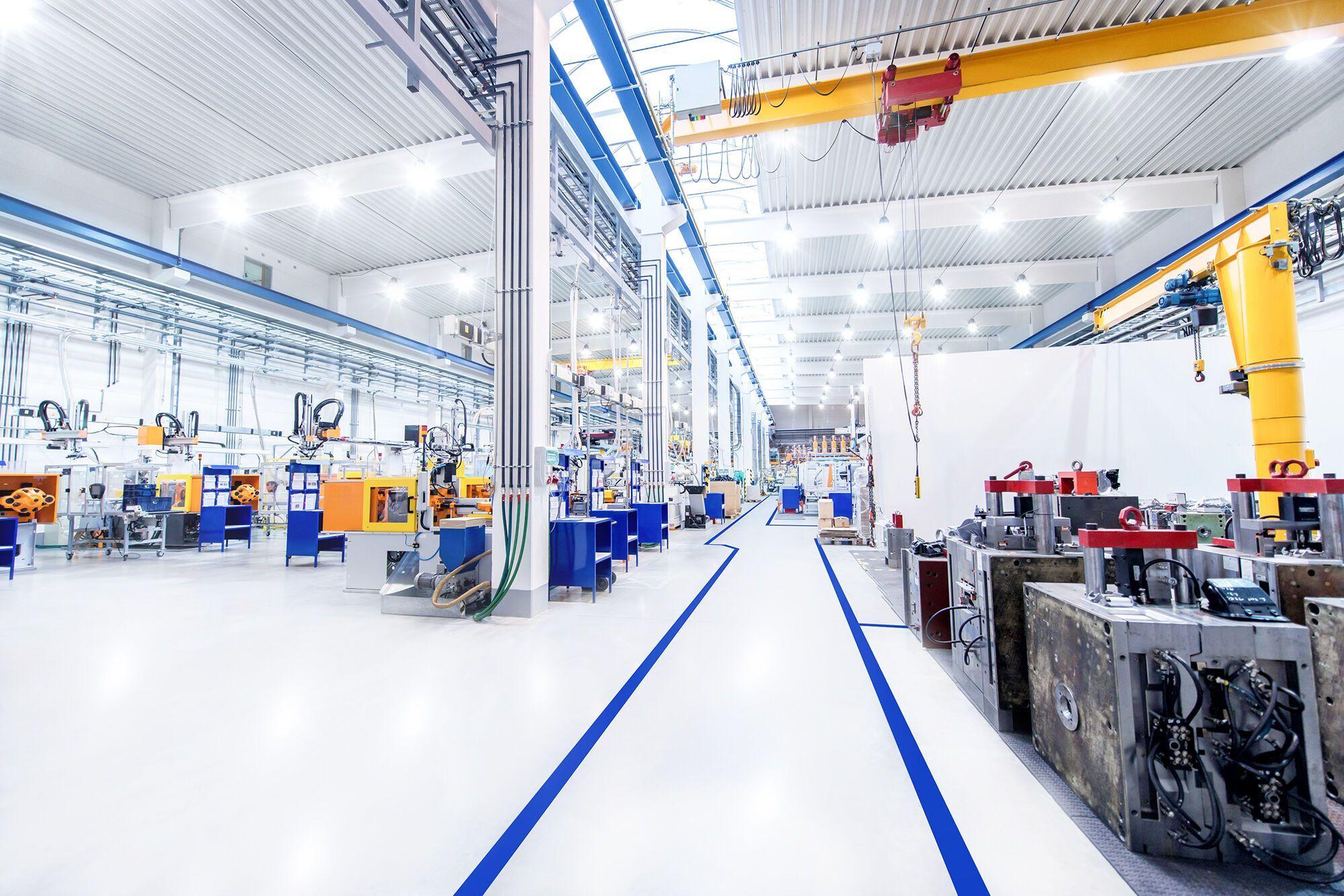 Компания Siemens представила решение, позволяющее организовать и контролировать соблюдение социальной дистанции на производстве