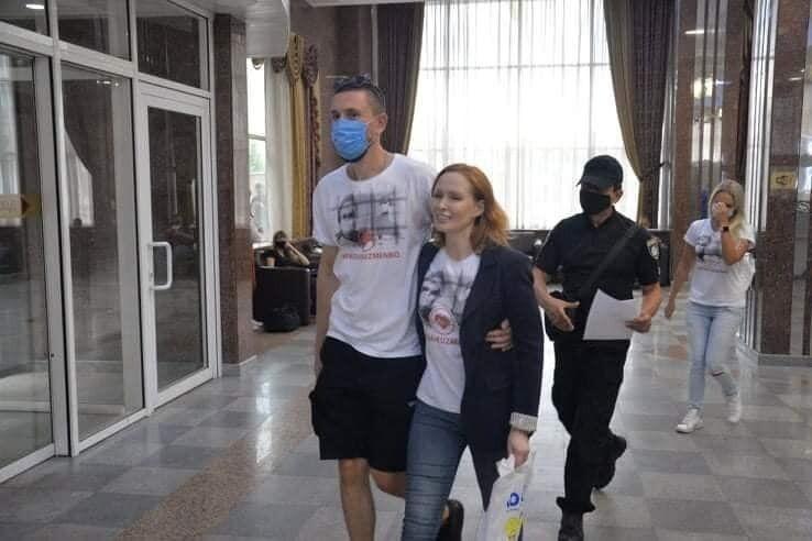 Юлія Кузьменко заручилася зі своїм цивільним чоловіком.