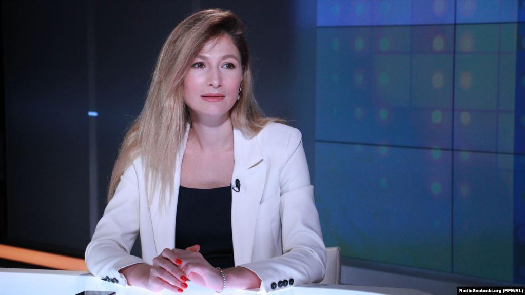Еміне Джапарова.
