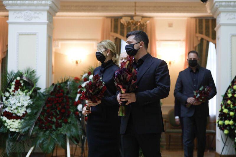 Попрощатися з Борисом Патоном прийшли президент із дружиною