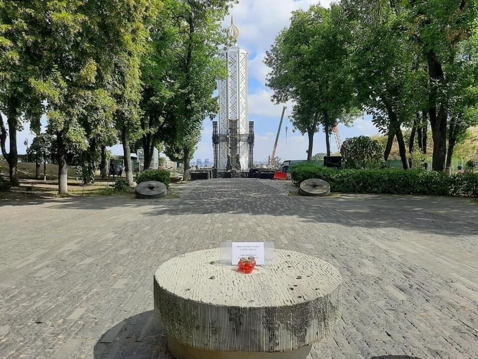 Вандали понівечили символ пам'яті про Голодомор у Києві.