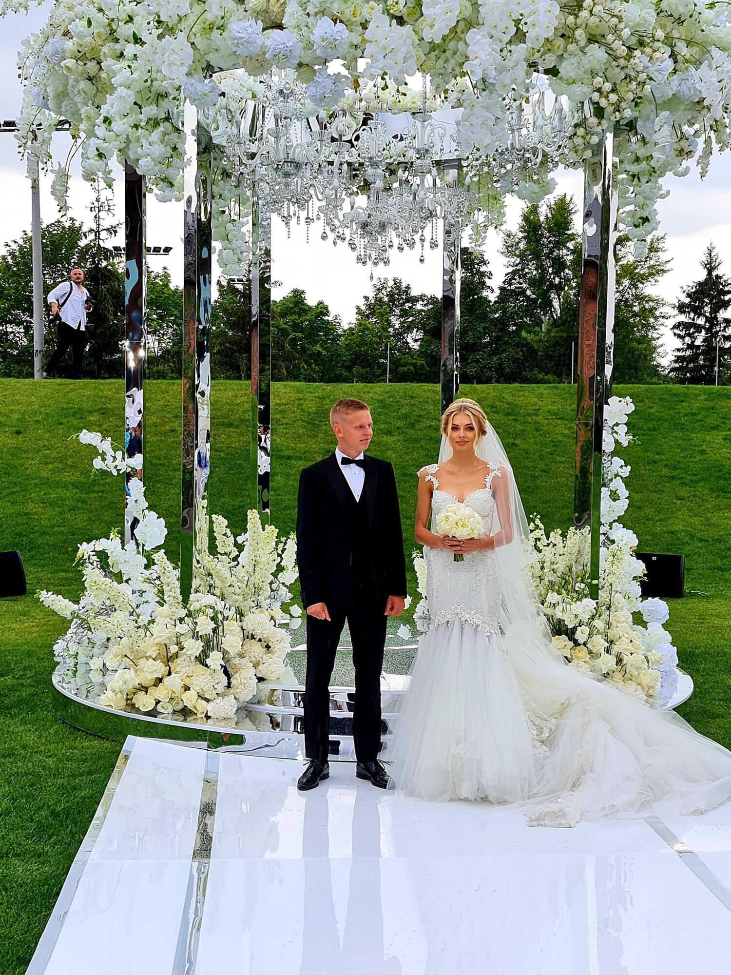 Олександр Зінченко одружився із Владою Седан.