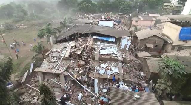 В Махади полностью рассыпался 5-этажный дом.
