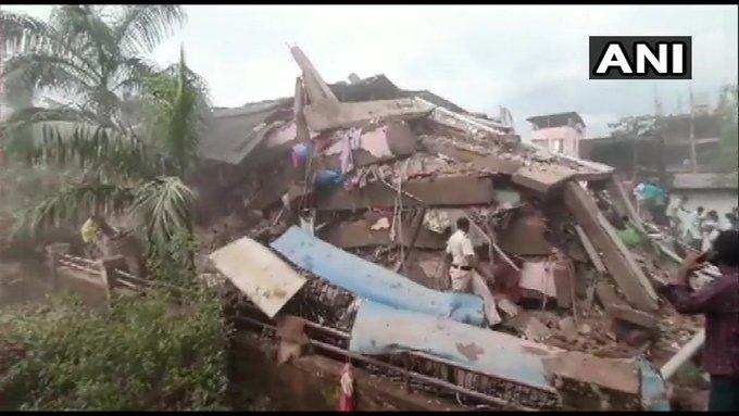 От 15 до 25 человек спасены.