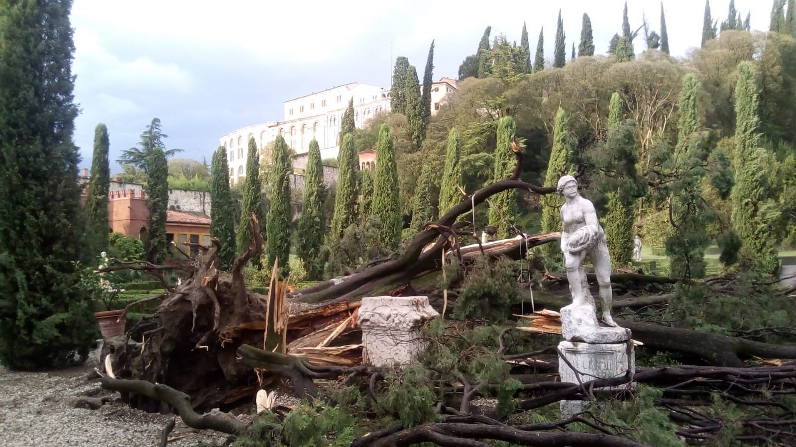 Верона после мощного урагана.