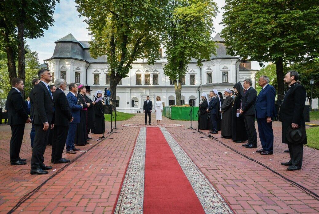 Владимир и Елена Зеленские приняли участие в молебне за Украину