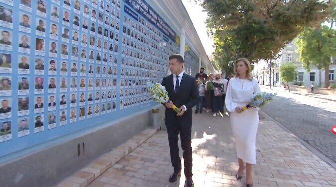 Зеленский с женой почтил память погибших защитников Украины