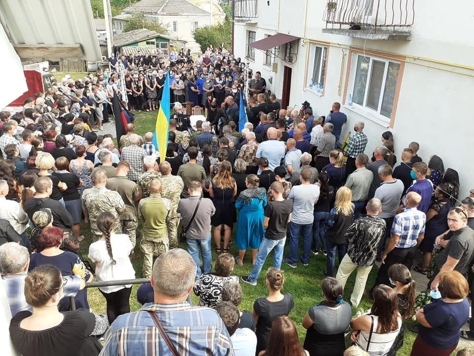 На Тернопільщині поховали загиблого офіцера ЗСУ