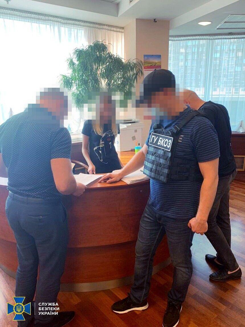 Оперативники провели обшуки в Мінінфраструктури та Укртрансбезпеці.