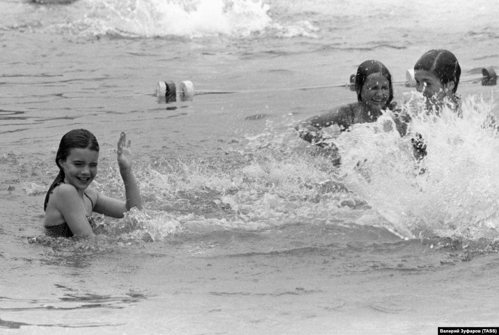 В Крыму Саманта Смит впервые купалась в море
