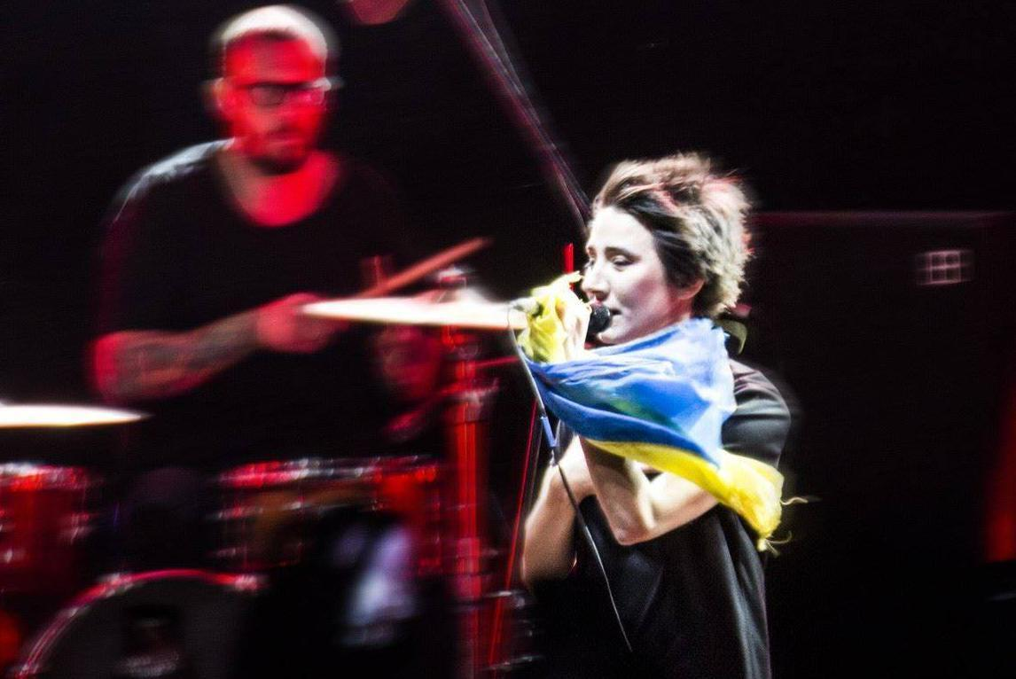Земфира выступала в Грузии с флагом Украины