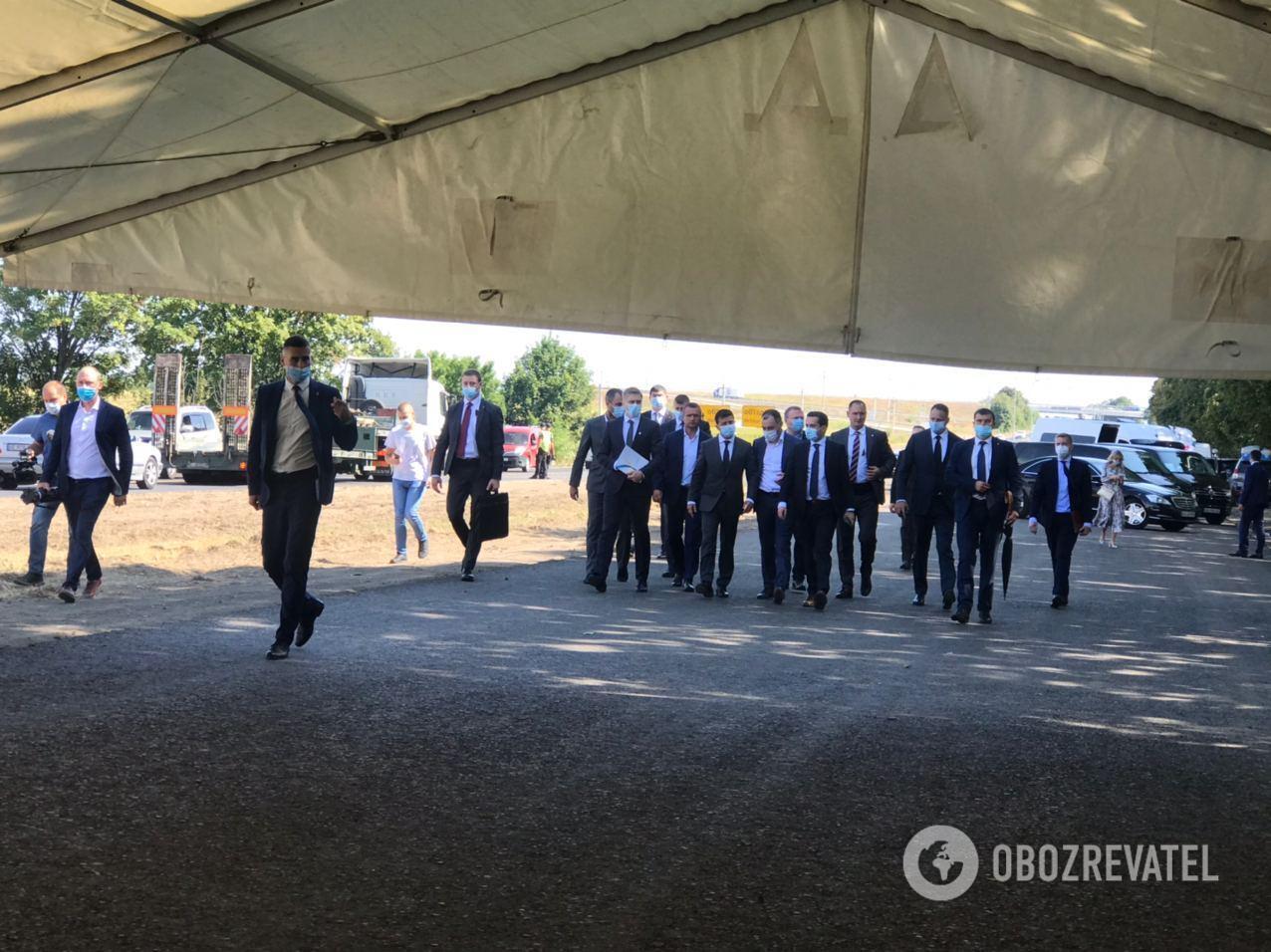 Президент прокомментировал ситуацию с днепровским аэропортом