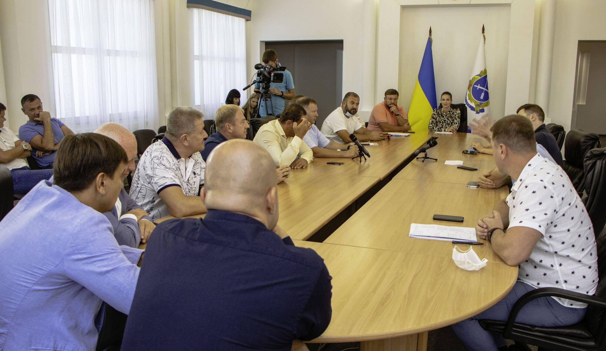 На заседании депутаты обсудили вопросы благоустройства города