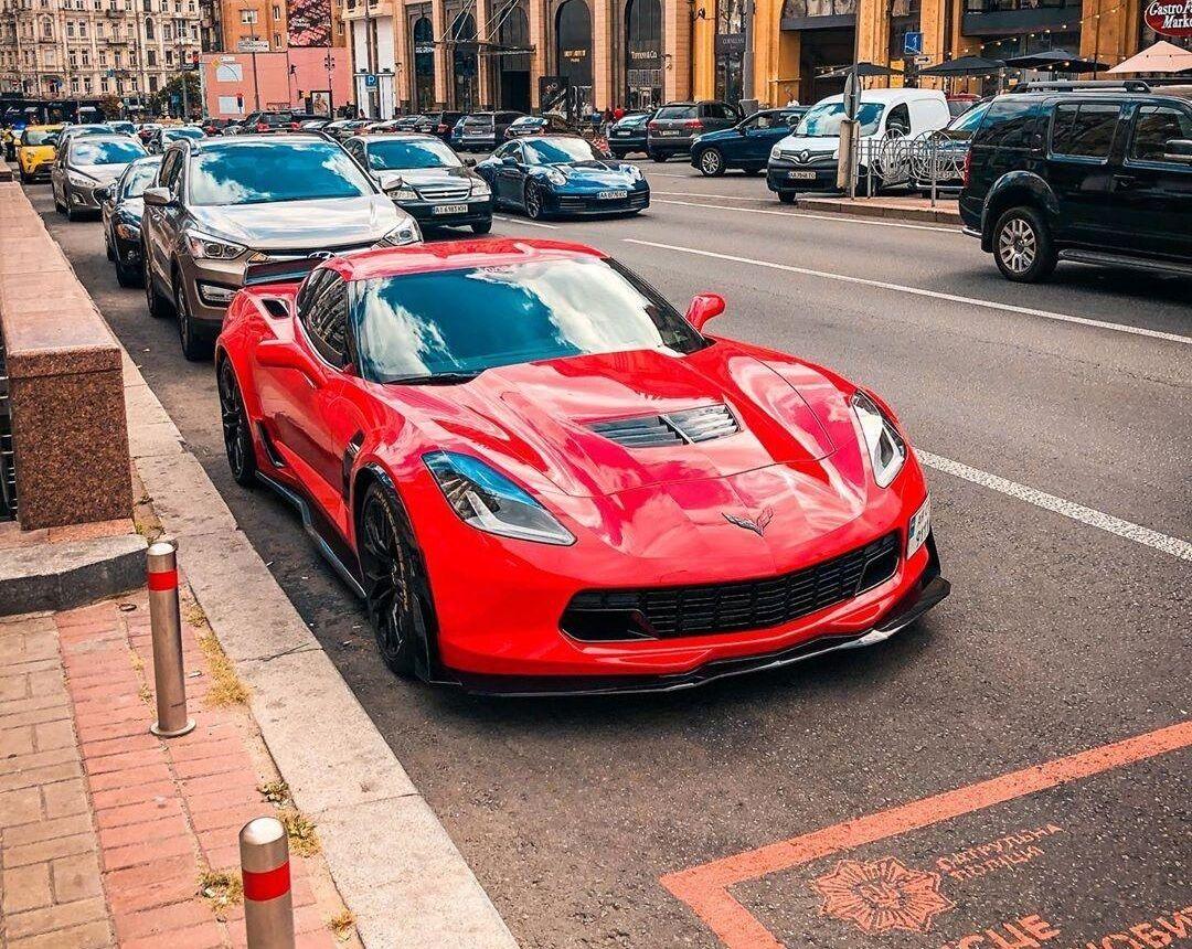 Мощный Chevrolet Corvette Z06 предлагает 650 л.с.