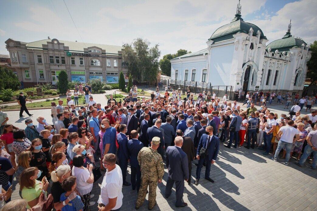 Зеленський поспілкувався з жителями Кропивницького