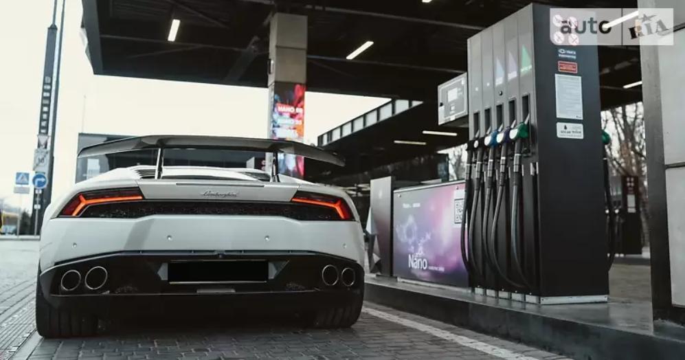 Lamborghini Huracan продають в Україні за $310 000