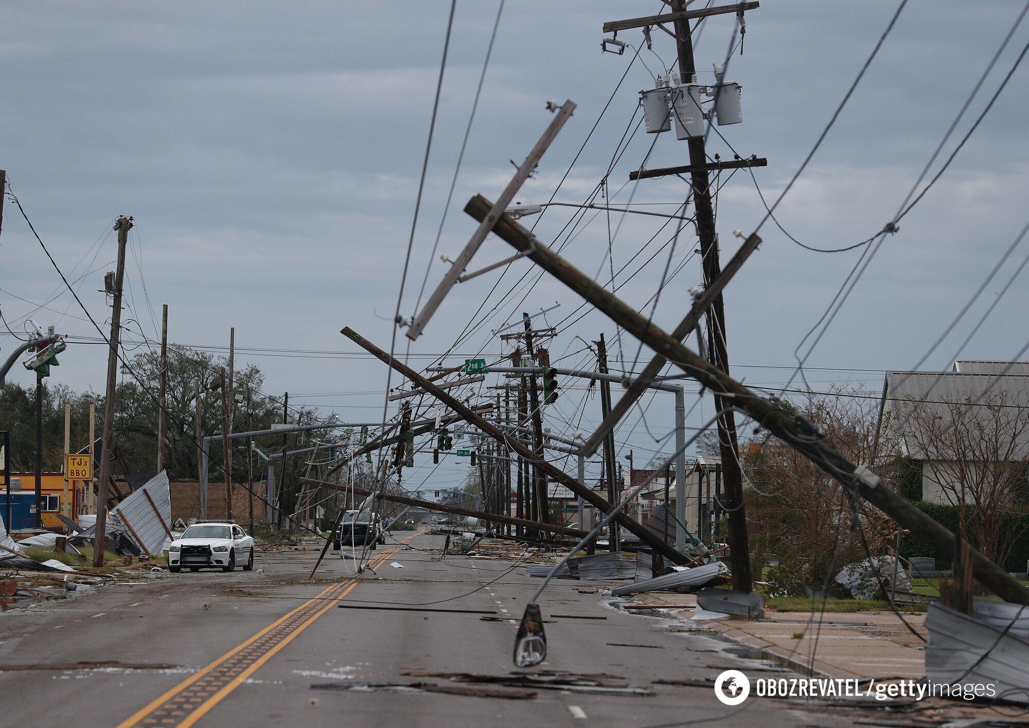 Дома обесточены из-за урагана