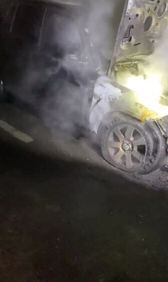 Гео Леросу сожгли авто.