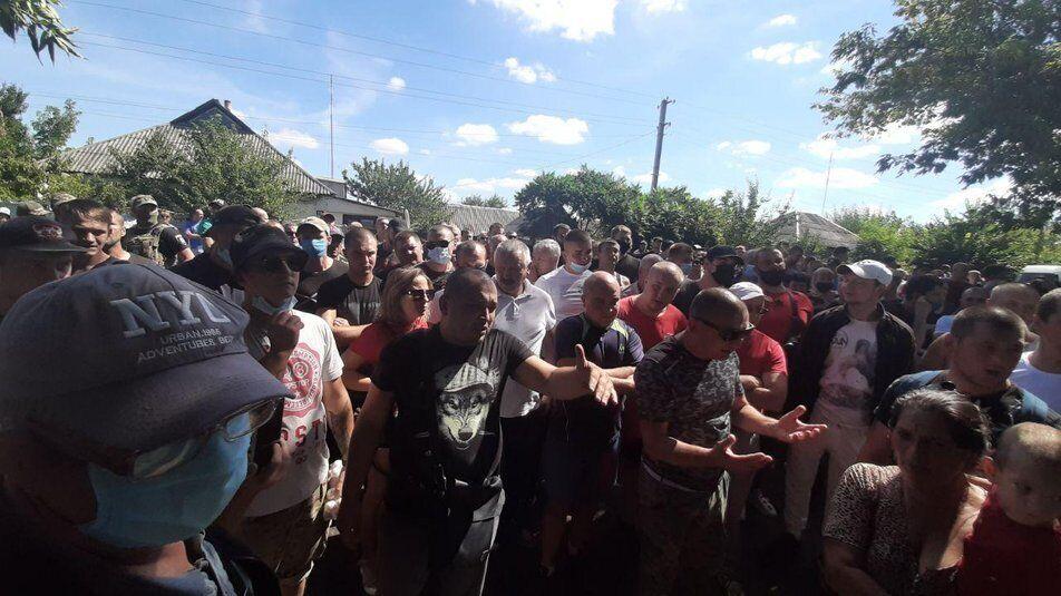 Під Харковом вийшли на мітинг проти ромів