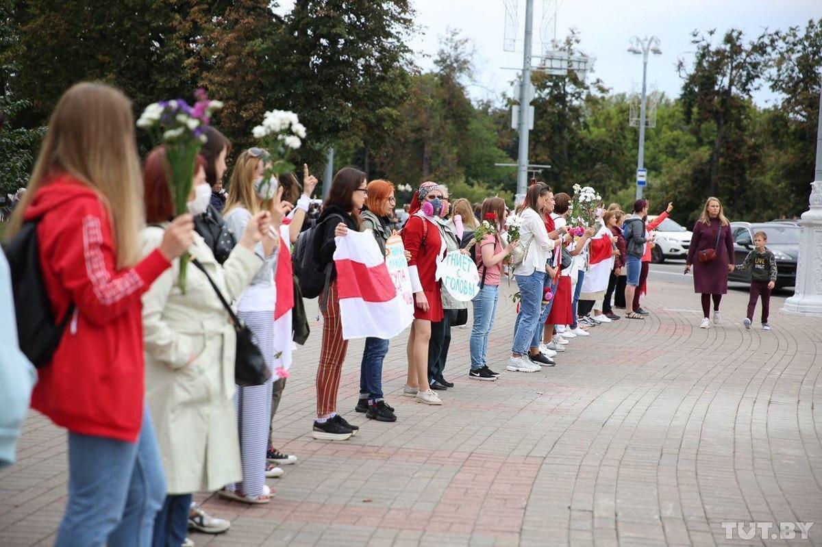 Жінки в Мінську вийшли на протест проти Лукашенка