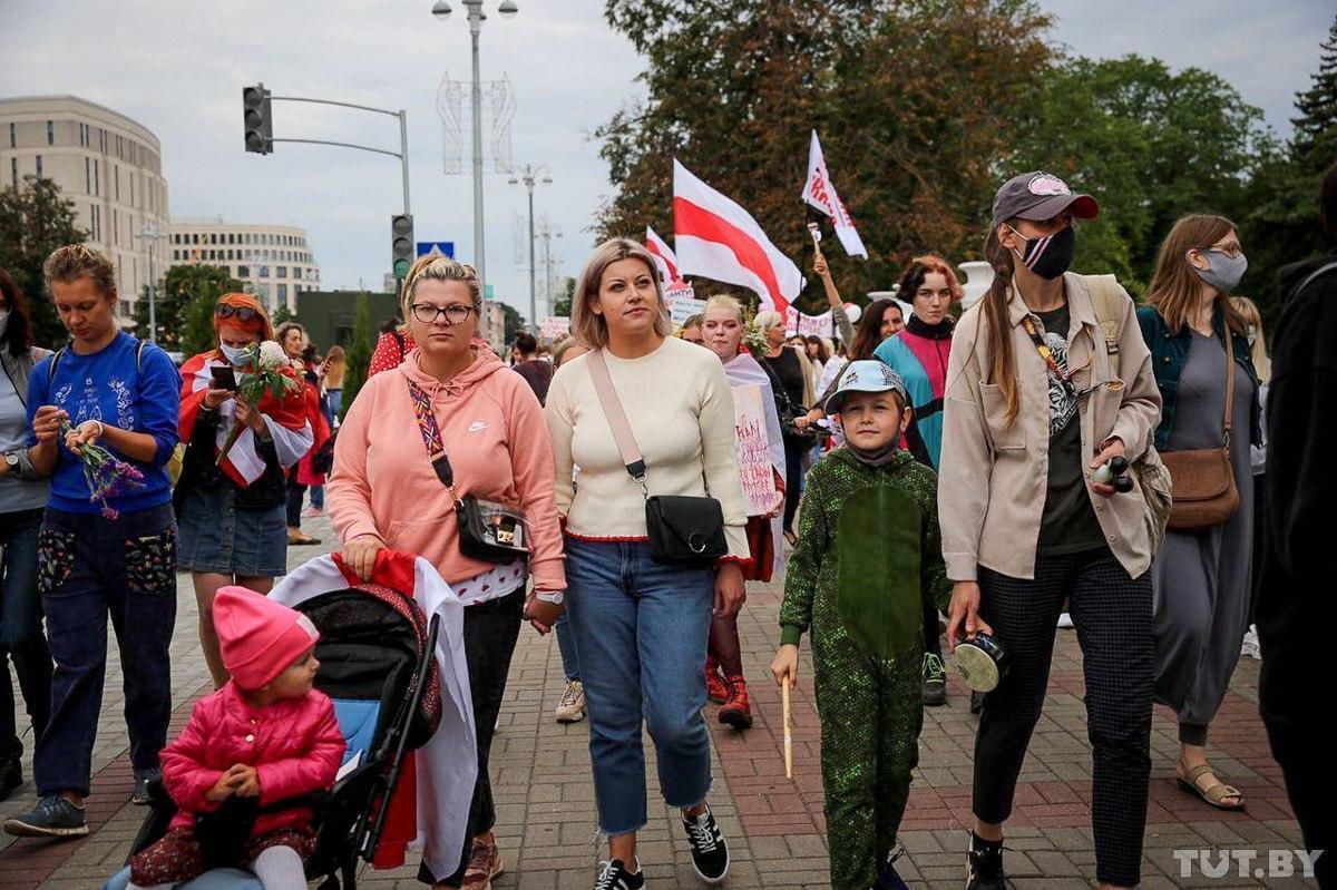 Марш солидарности начался на площади Победы