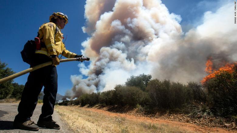 Пожарный у Cherry Valley 1 августа.