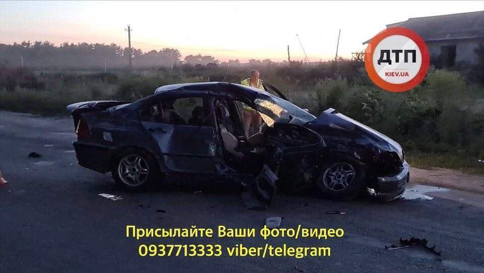 Водитель автомобиля BMW вылетел на встречную полосу