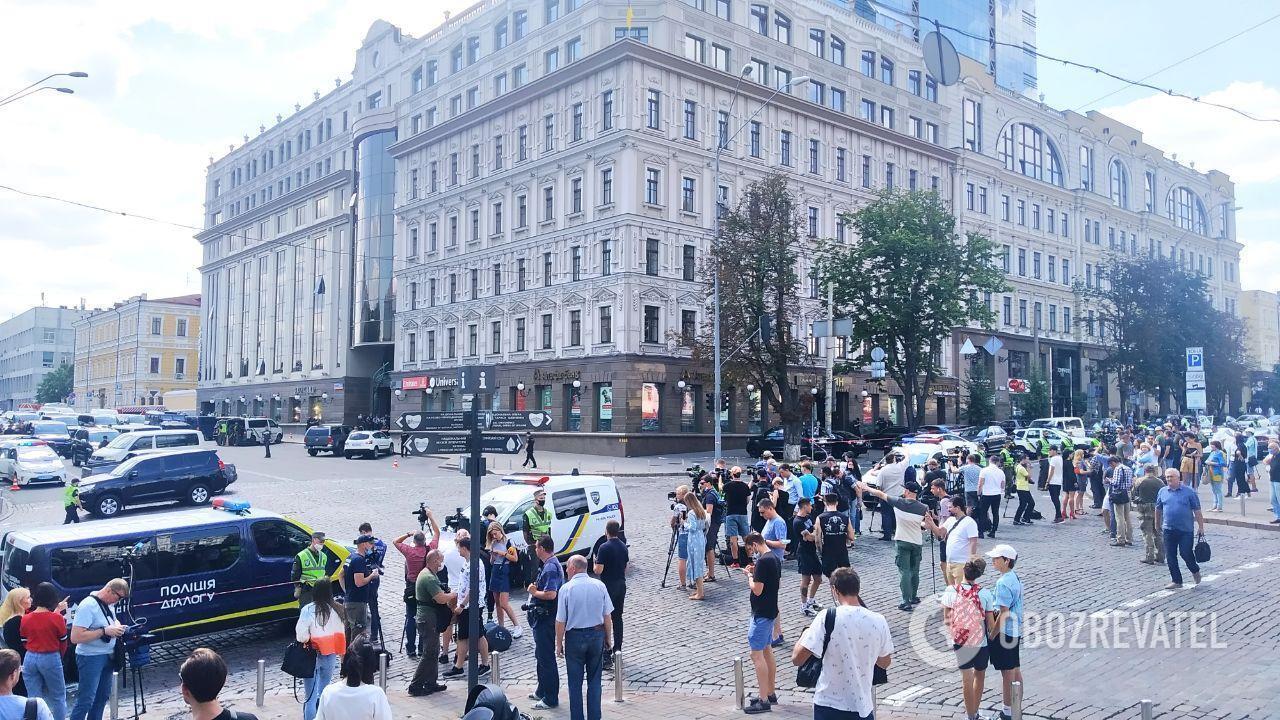 По данным очевидцев, не всех людей эвакуировали с БЦ