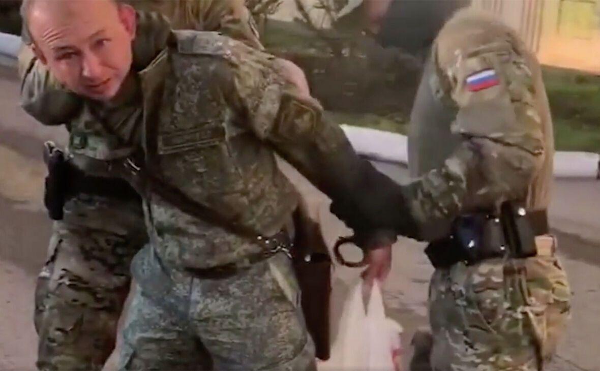 """В ФСБ показали задержанного """"шпиона"""" ГУР"""