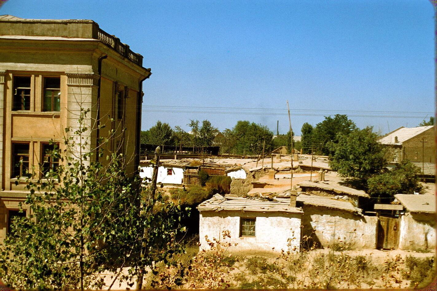 """В таких """"домах"""" жили люди в Ташкенте в 1950-х"""