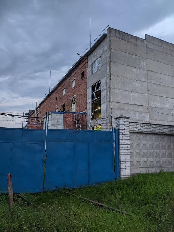 Рятувальники стверджують, що жодної загрози від вибуху на Львівському хімзаводі для людей немає