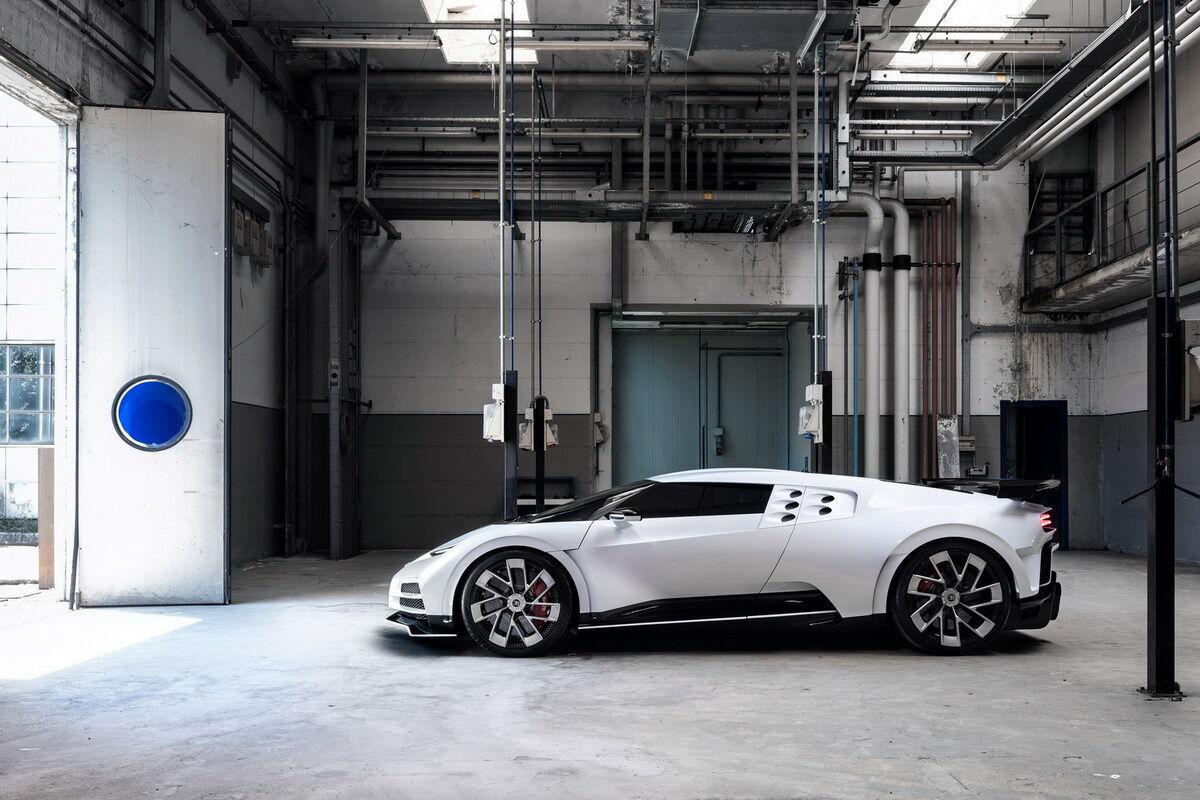 Bugatti Centodieci. фото:
