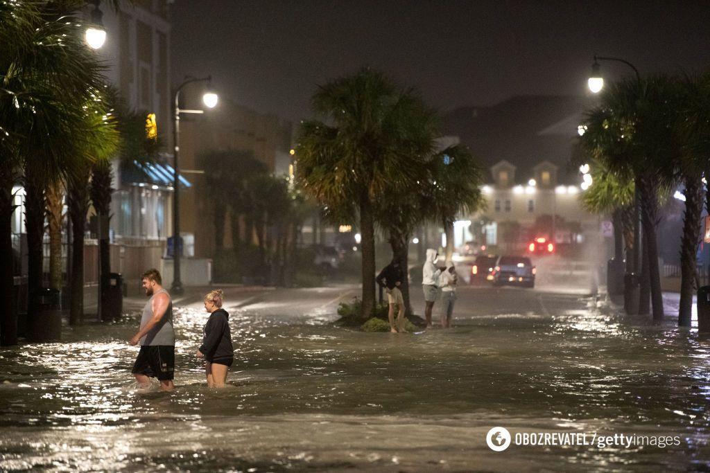 Улицы затопило после урагана