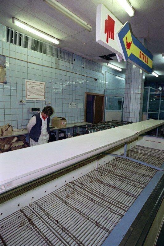 Порожні м'ясні прилавки в СРСР
