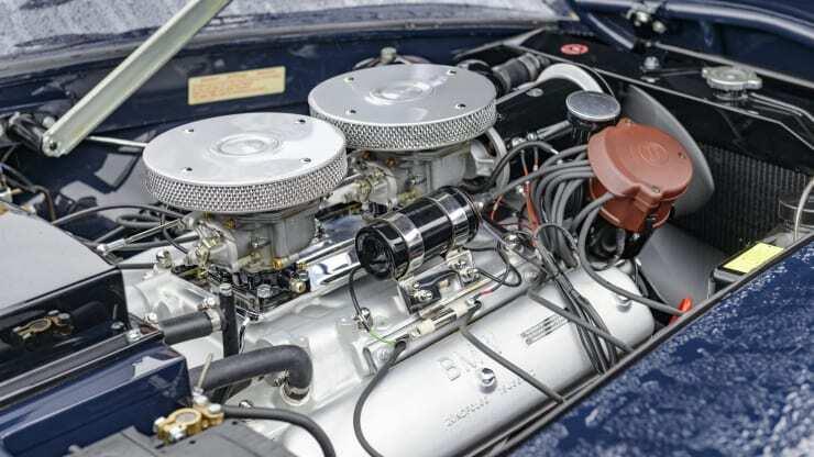 BMW 507 оснащувався потужним мотором V8.