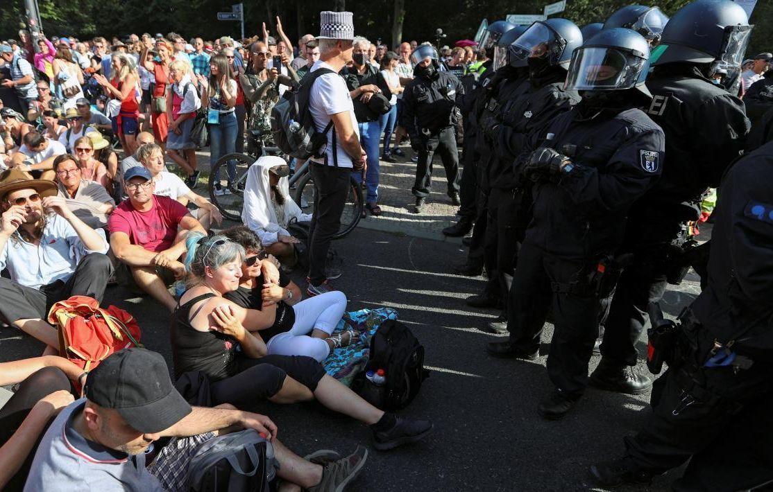 Протесты против карантина в Германии