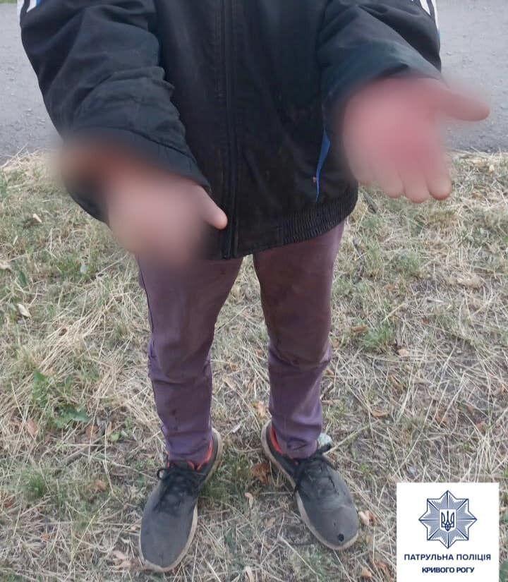 У Кривому Розі чоловік завдав приятелю два ножових поранення. Фото пресслужби Патрульної поліції Кривого Рогу