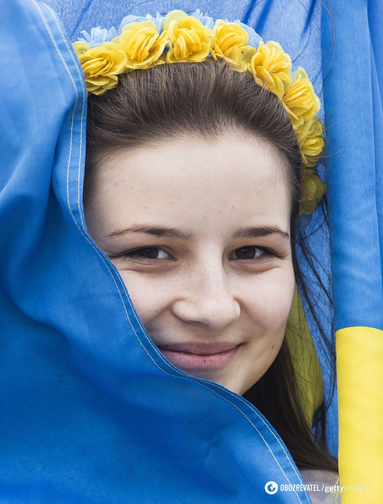 Первые упоминания о сине-желтом флаге в Украине связаны с основанием Львова