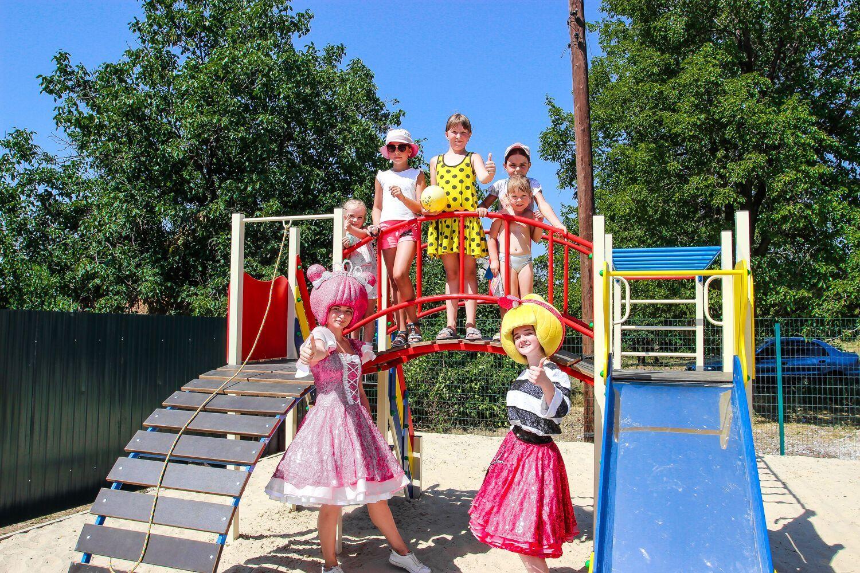 Фонд Бориса Колесникова установит 100 детских площадок в Донецкой области