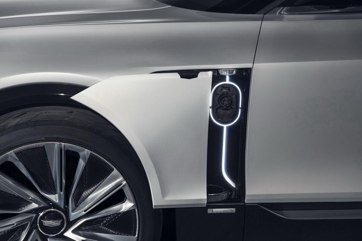 Прототип електричного кросовера Cadillac Lyriq. фото: