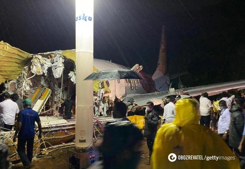 Крушение самолета в Индии