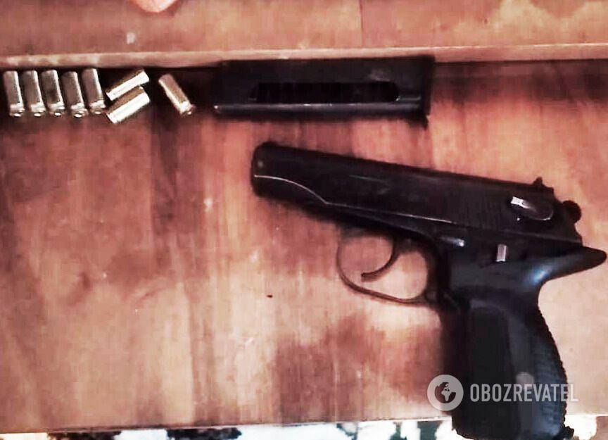 На Кировоградщине задержали двух вымогателей с внушительным арсеналом