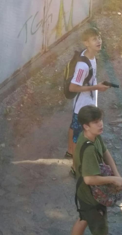 У Дніпрі підлітки розважалися стріляниною по вікнах ясел