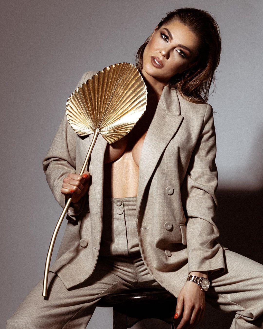 Марина Андрієнко в розкішній фотосесії